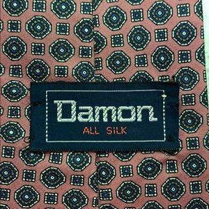 Damon tie